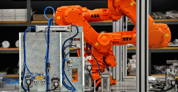 Pros-and-cons-of-automation-technology-in-manufacturing-units-2