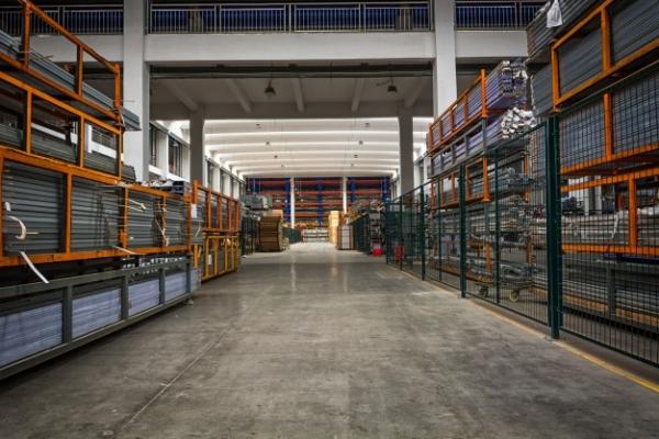 almacenamiento-material-hierro-acero_1127-3263