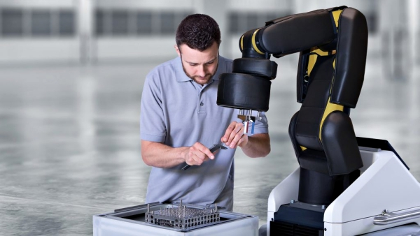 robot humano 23