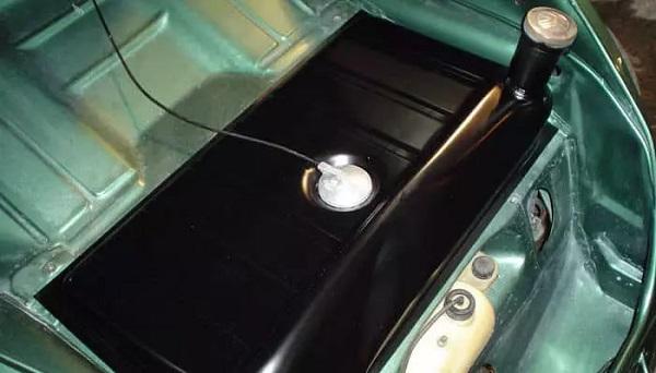 Tanque-de-combustible-para-auto_opt
